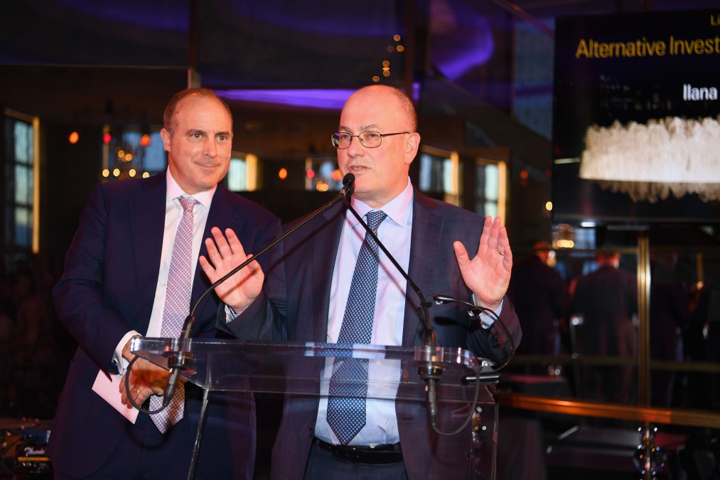 New Mets owner Steve Cohen speaks at some gala or other.