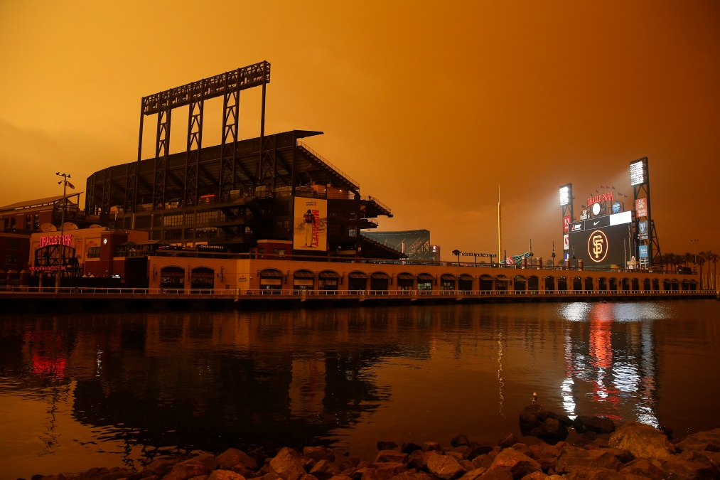 SAN FRANCISCO, CALIFORNIA - SEPTEMBER 09: An exterior view of the ballpark before the game between the San Francisco Giants and the Seattle Mariners at Oracle Park on September 09, 2020 in San Francisco, California. Smoke from various wildfires burning across Northern California has blanketed the city in an orange glow. (Photo by Lachlan Cunningham/Getty Images)