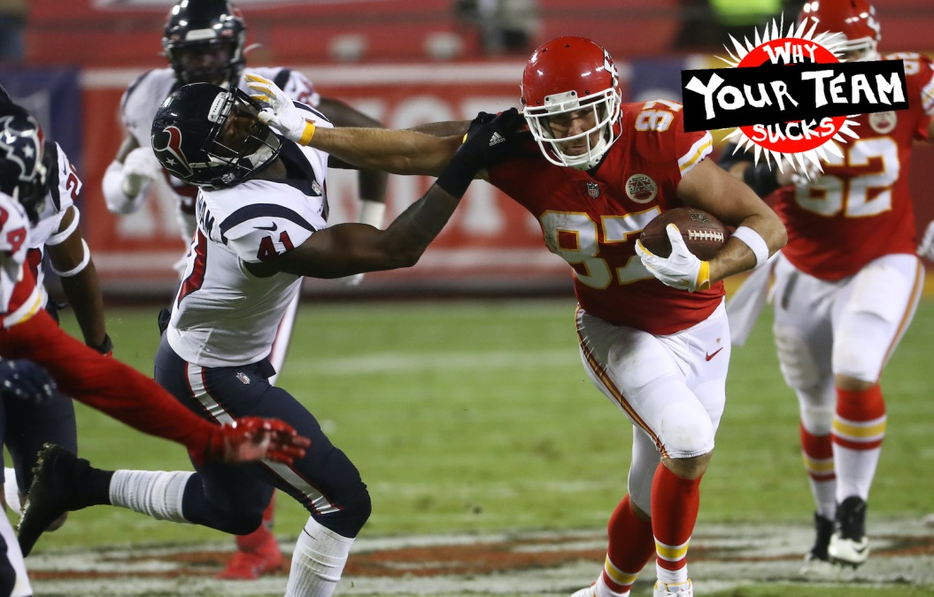 KANSAS CITY, MISSOURI - SEPTEMBER 10: Travis Kelce #87 of the Kansas City Chiefs stiff arms Zach Cunningham #41 of the Houston Texans during the second quarter at Arrowhead Stadium on September 10, 2020 in Kansas City, Missouri. (Photo by Jamie Squire/Getty Images)