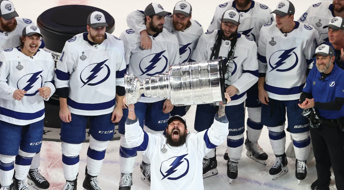EDMONTON, ALBERTA - SEPTEMBER 28: Zach Bogosian #24 of the Tampa Bay Lightning skates with the Stanley Cup following the series-winning victory over the Dallas Stars in Game Six of the 2020 NHL Stanley Cup Final at Rogers Place on September 28, 2020 in Edmonton, Alberta, Canada. (Photo by Bruce Bennett/Getty Images)
