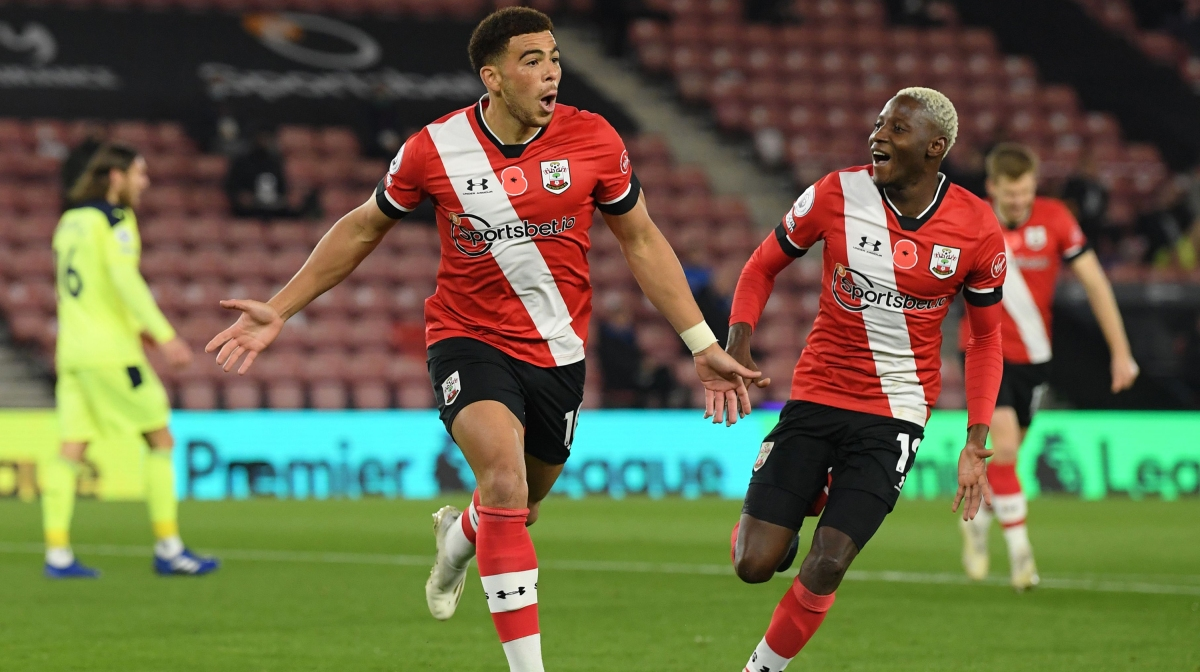 Southampton's English midfielder Che Adams celebrates scoring his team's first goal during the English Premier League football match between Southampton and Newcastle United at St Mary's Stadium in Southampton, southern England on November 6, 2020.