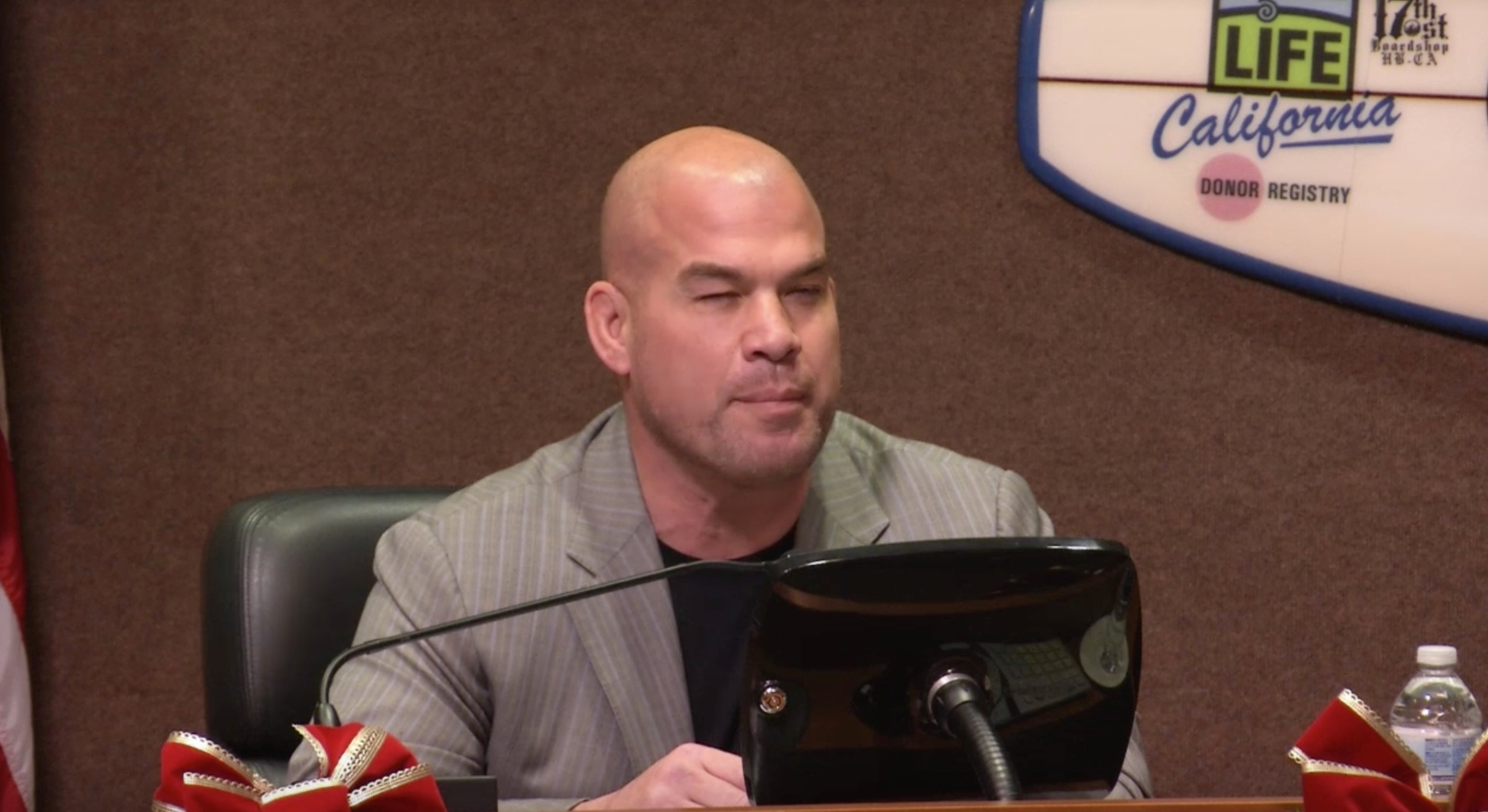 Tito Ortiz trying to make a point.