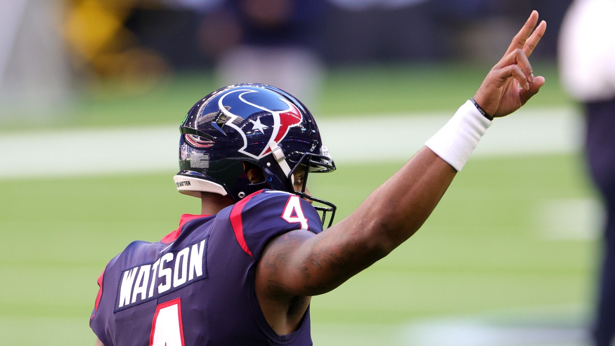 HOUSTON, TEXAS - JANUARY 03: Deshaun Watson #4 of the Houston Texans in action against the Tennessee Titans during a game at NRG Stadium on January 03, 2021 in Houston, Texas. (Photo by Carmen Mandato/Getty Images)