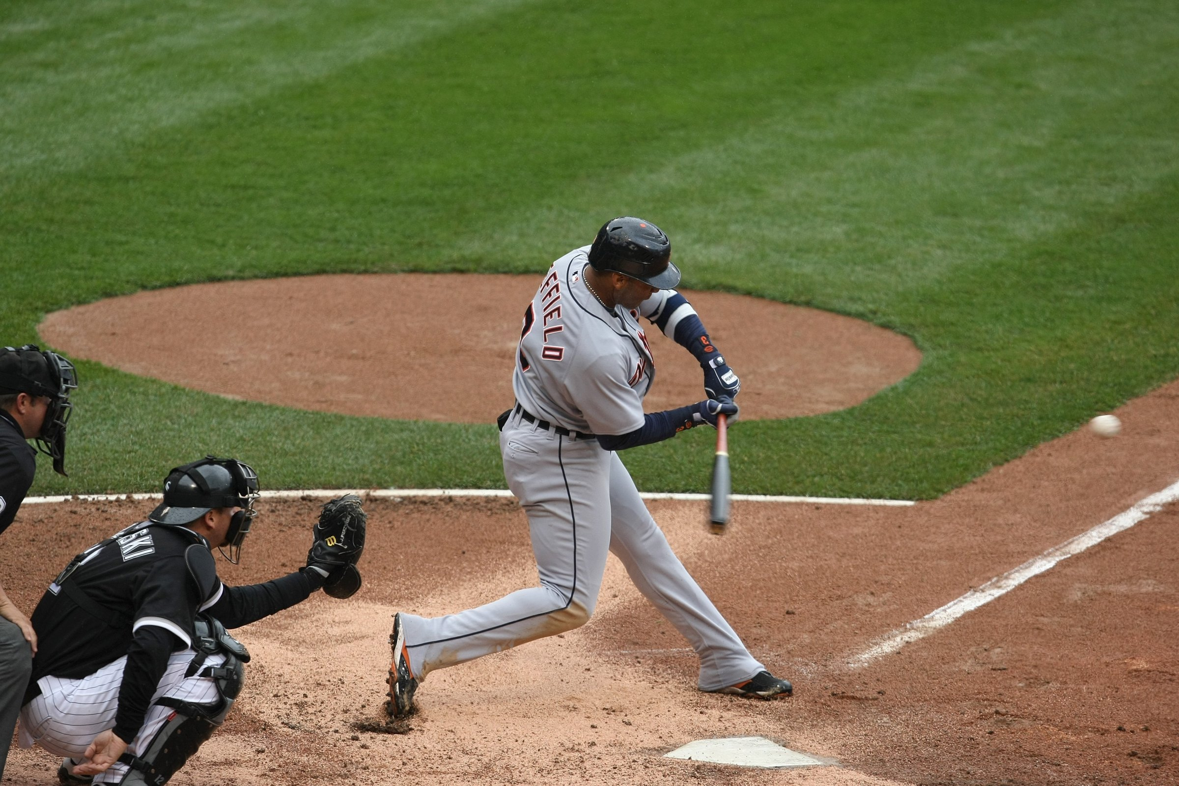 Gary Sheffield #3 of the Detroit Tigers bats