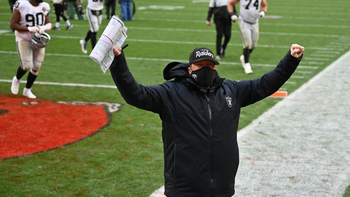 CLEVELAND, OHIO - NOVEMBER 01: Head coach Jon Gruden of the Las Vegas Raiders celebrates a victory as he walks off the field following the NFL game against the Cleveland Browns at FirstEnergy Stadium on November 01, 2020 in Cleveland, Ohio. (Photo by Jamie Sabau/Getty Images)