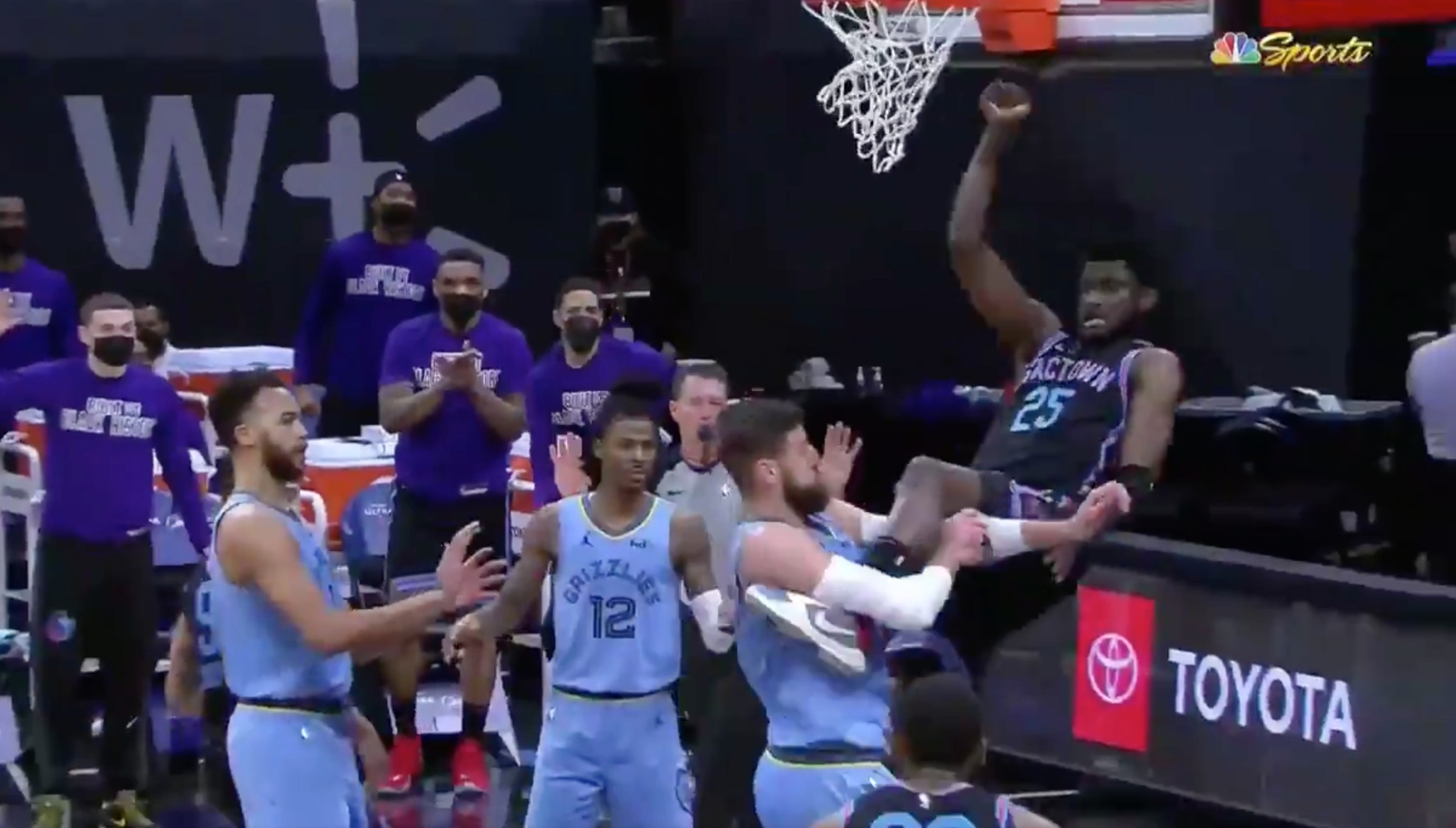 Valanciunas executing the slam-down