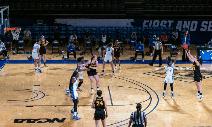San Antonio, TX - MARCH 23: KENTUCKY VS IOWA during the Division I Women's Basketball Tournament held at Bill Greehey Arena on March 23, 2021 in San Antonio, TX.