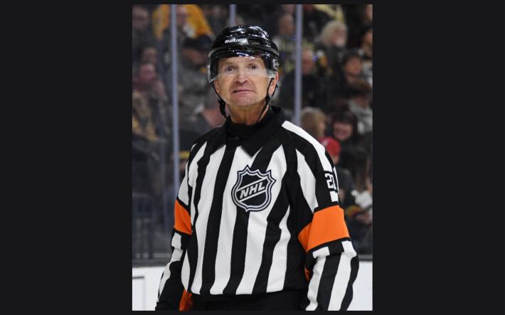Referee Tim Peel