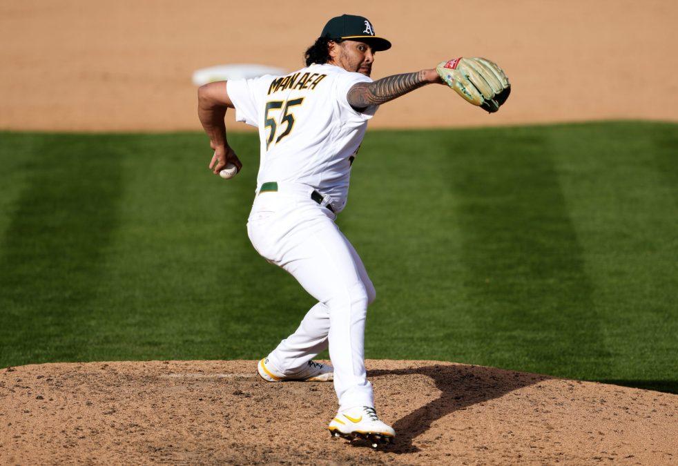 Sean Manaea pitches