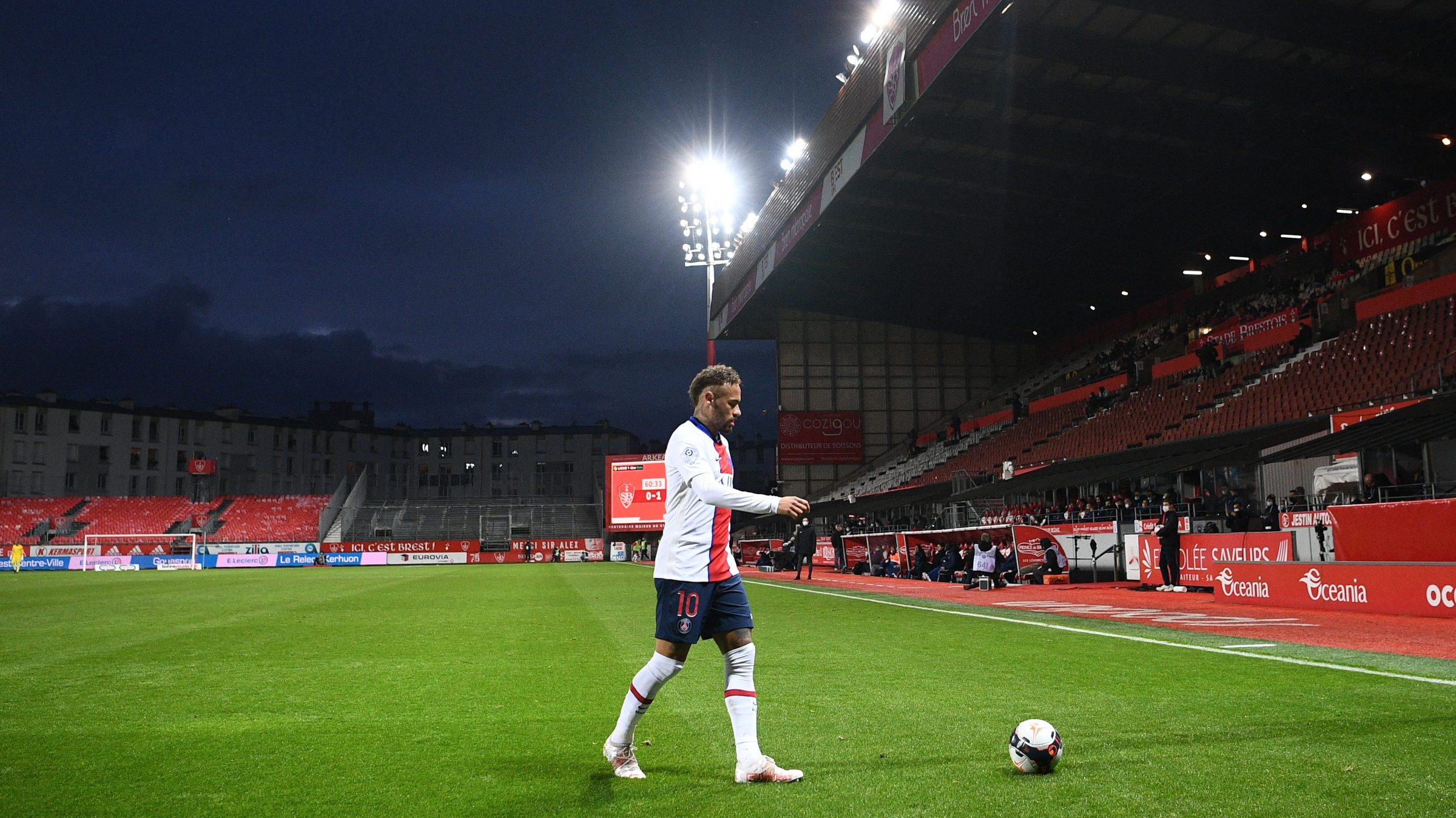 Paris Saint-Germain's Brazilian forward Neymar controls the ball during the French L1 football match between Brest and Paris Saint-Germain at the Stade Francis-Le Ble stadium, in Brest, western France, on May 23, 2021.