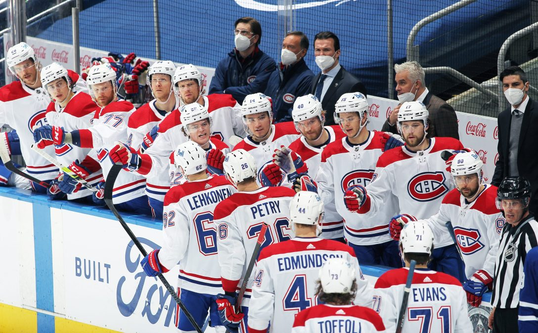 Montreal Canadiens celebrate a goal