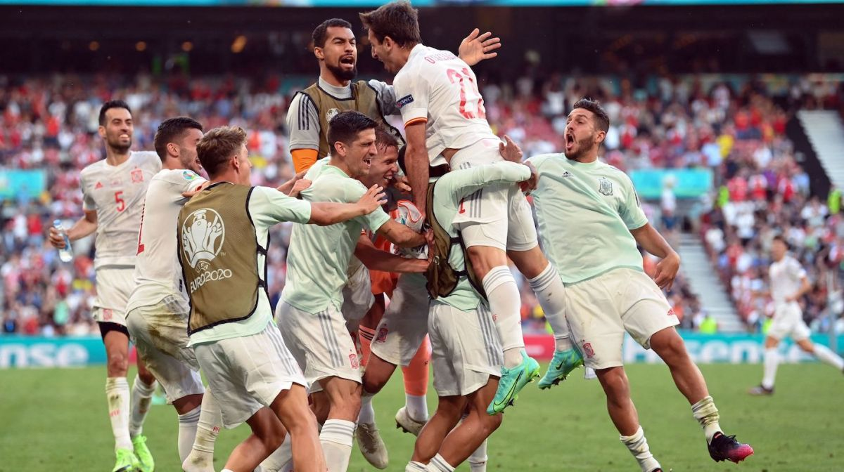 Spain's players celebrate their fifth goal during the UEFA EURO 2020 round of 16 football match between Croatia and Spain at the Parken Stadium in Copenhagen on June 28, 2021.