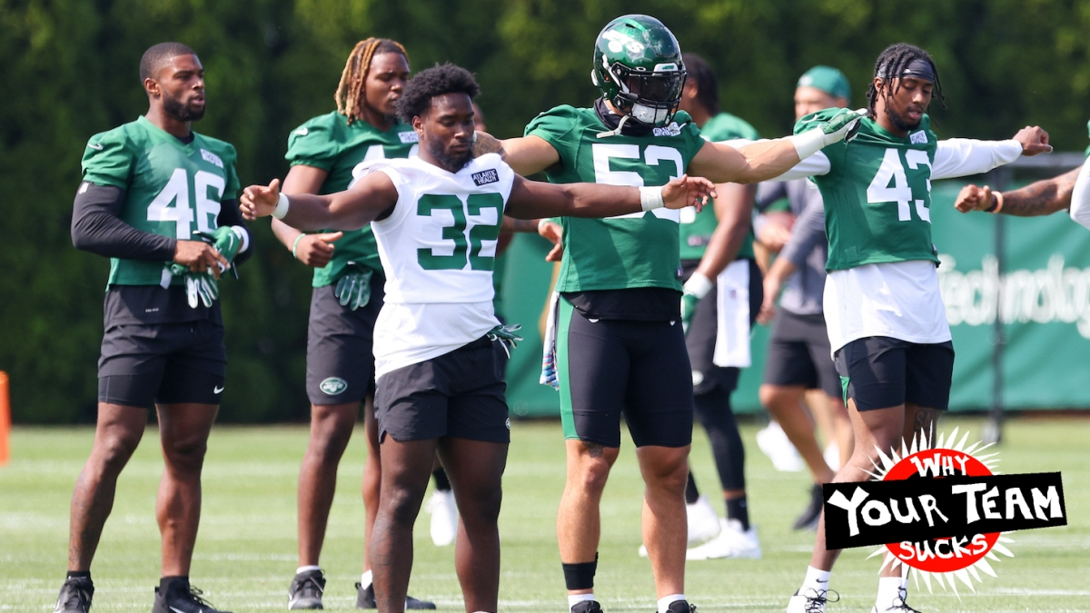 FLORHAM PARK, NJ - JULY 28: Michael Carter #32, Jarrad Davis #52 and Del'Shawn Phillips #43 of the New York Jets during morning practice at Atlantic Health Jets Training Center on July 28, 2021 in Florham Park, New Jersey. (Photo by Rich Schultz/Getty Images)