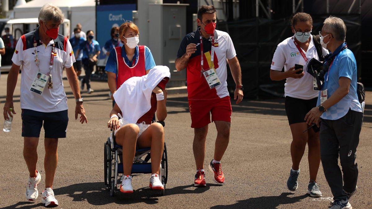 Paula Badosa retires from her quarterfinal match in a wheelchair.