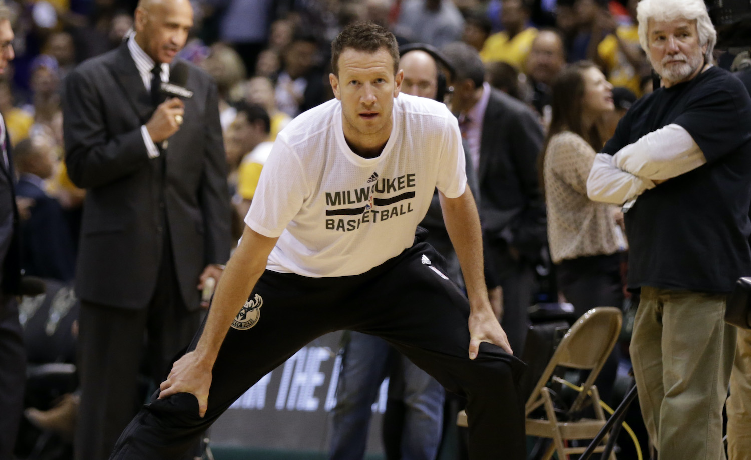 MILWAUKEE, WI - FEBRUARY 22: Steve Novak #6 of the Milwaukee Bucks stretches before the game against the Los Angeles Lakers at BMO Harris Bradley Center on February 22, 2016 in Milwaukee, Wisconsin. NOTE TO USER: User expressly acknowledges and agrees that, by downloading and or using this photograph, User is consenting to the terms and conditions of the Getty Images License Agreement. (Photo by Mike McGinnis/Getty Images) *** Local Caption *** Steve Novak