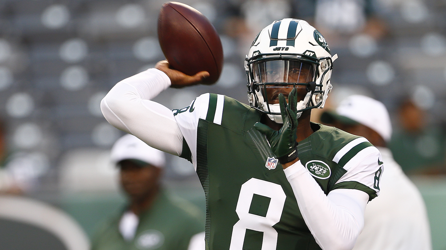 EAST RUTHERFORD, NJ - SEPTEMBER 03: Quarterback Josh Johnson #8 of the New York Jets warms up before a pre-season game against the Philadelphia Eagles at MetLife Stadium on September 3, 2015 in East Rutherford, New Jersey. (Photo by Rich Schultz /Getty Images)