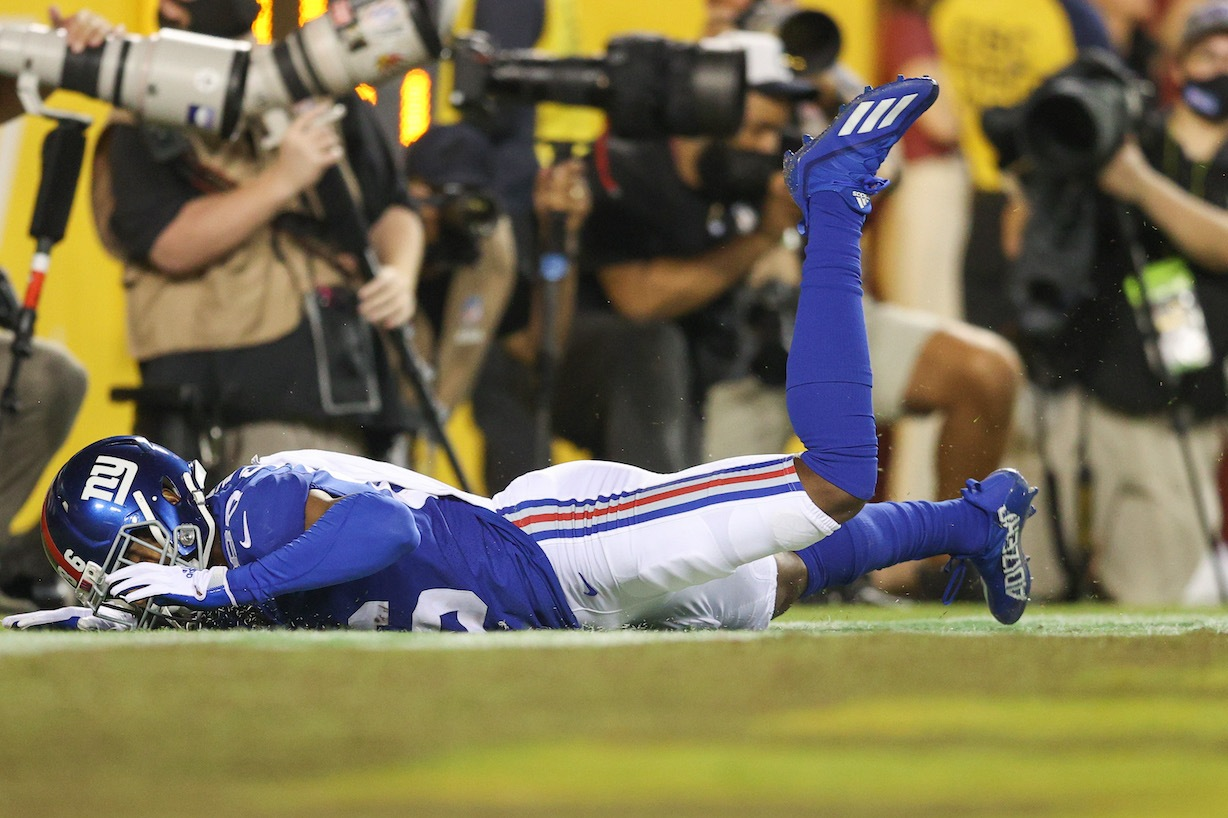 LANDOVER, MARYLAND - SEPTEMBER 16: Darius Slayton #86 of the New York Giants unable to make a reception in the endzone late in the fourth quarter against the Washington Football Team at FedExField on September 16, 2021 in Landover, Maryland. (Photo by Patrick Smith/Getty Images)