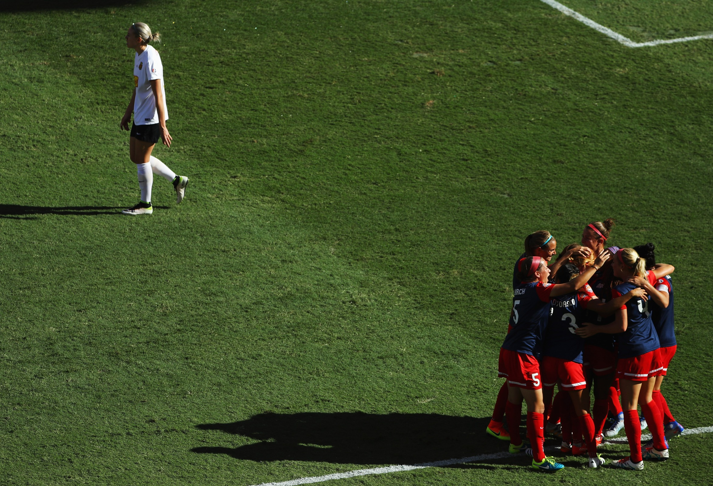 Crystal Dunn #19 of the Washington Spirit celebrates with her teammates after her goal against the Western New York Flash during the first half of the 2016 NWSL Championship at BBVA Compass Stadium on October 9, 2016 in Houston, Texas.